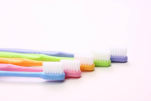 あなたに合う歯ブラシはどの形?選び方次第で歯の健康が変わる!