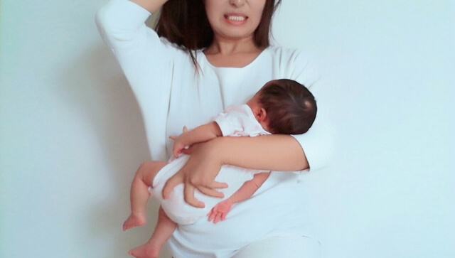 産後は抜け毛の量が凄い!原因や期間、対策を詳しくご紹介